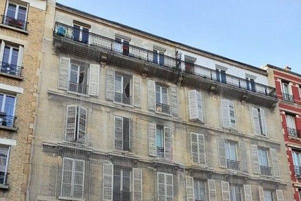 Les habitants du 93, rue Henri-Barbusse à Clichy (Hauts-de-Seine) ont dû évacuer l'immeuble en état de péril imminent le 21 octobre 2020.