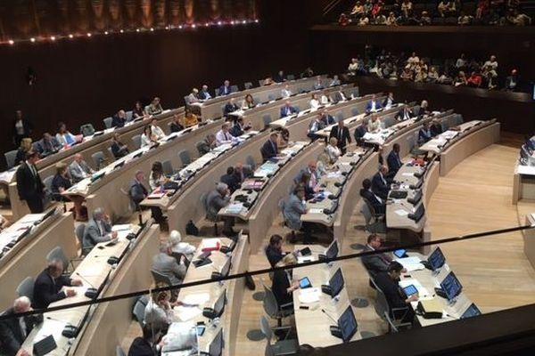 Le conseil municipal vote 150 000 euros pour accueillir le concours Miss France. L'opposition s'insurge du montant.