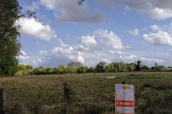 Le futur pylône de 30 mètres sera construit par la société Cellnex dans cette zone naturelle de la commune de Izon, en Gironde.