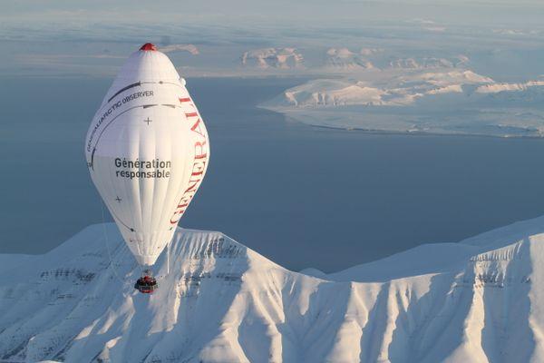 2010, la traversée de l'océan arctique en ballon.