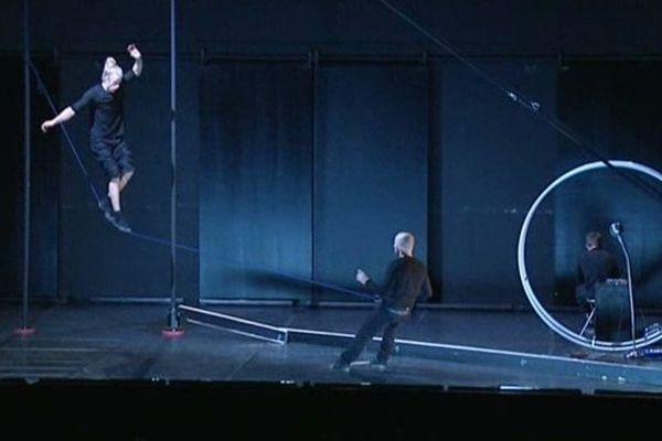 Les Sisters ne cessent de jouer avec les codes du cirque traditionnel