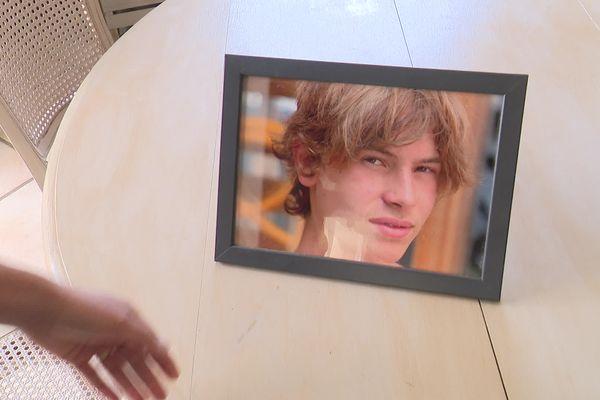 Dimitri s'est donné la mort il y a 3 mois, à l'âge de 16 ans.