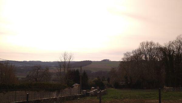 L'avantage de l'orientation des constructions pensées ainsi permet aux occupants de profiter de la vue sur la vallée.