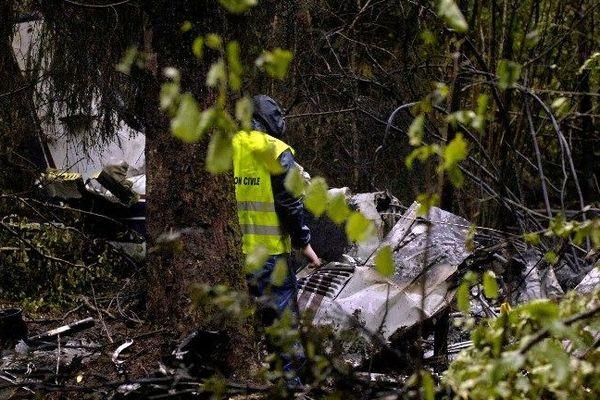 Après 7 ans d'instruction, trois personnes sont mises en examen dans le dossier du crash de la Vèze (19 octobre 2006) : le gérant de la société d'aviation, un pilote conducteur et un employé de la direction de l'aviation civile (DGAC)