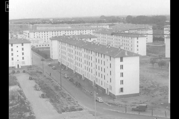 Nîmes - the HLM social apartments on Chemin Bas d'Avignon-Clos d'Orville - early 1960s.