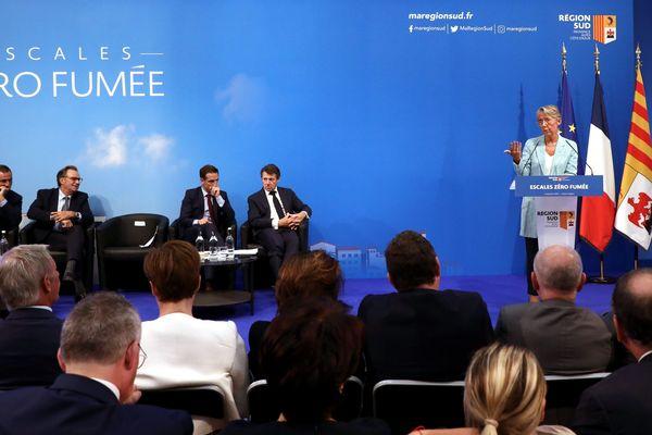 """Marseille ; 05/09/2019 ; Déplacement de la ministre de la transition écologique, Elisabeth Borne, et du secrétaire d'état à l'écologie à Marseille pour une conférence sur le dispositif """" Escales Zero Fumée"""" au Conseil Régional à Marseille, ainsi que sur le port de Marseille."""