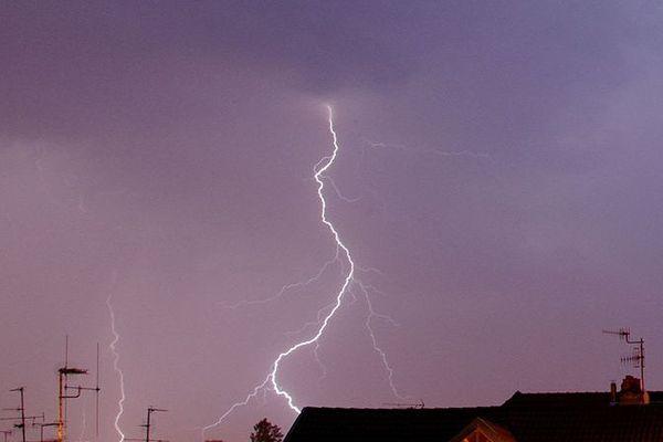 Orages attendus dans le Nord Pas-de-Calais ce mercredi 19 juin 2013.
