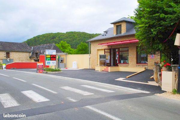 La petite annonce devrait attirer pas mal de candidats entreprenants en recherche d'une vie paisible dans une des plus belle région de France