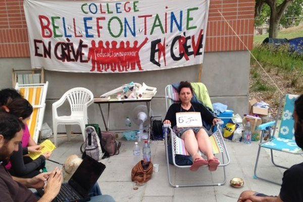 La professeur de Svt ce samedi matin au 6è jour de sa grève de la faim
