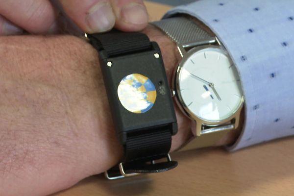 """La """"bubble"""" se porte comme une montre, au poignet. (Photo juin 2020)"""
