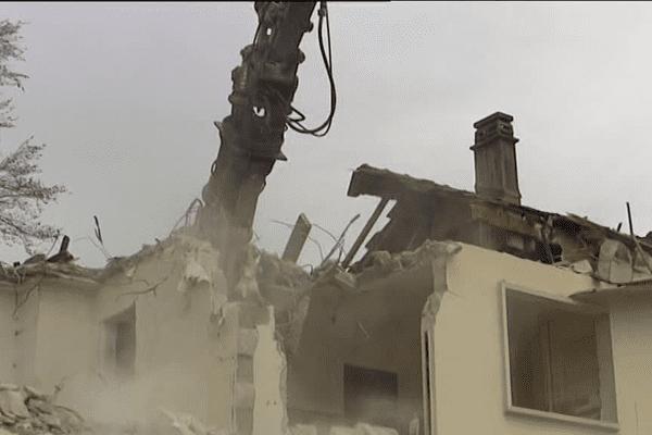 La démolition du quartier du Levant à Ferney-Voltaire