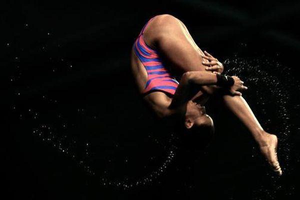 Alaïs Kalonji championne de plongeon de haut vol, pendant les Jeux Olympiques de la Jeunesse en 2014