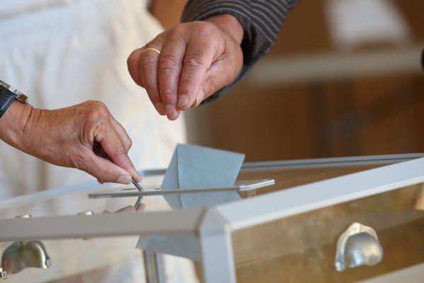 11 candidats sont en lice pour succéder à Manuel Valls dans la 1e circonscription de l'Essonne.