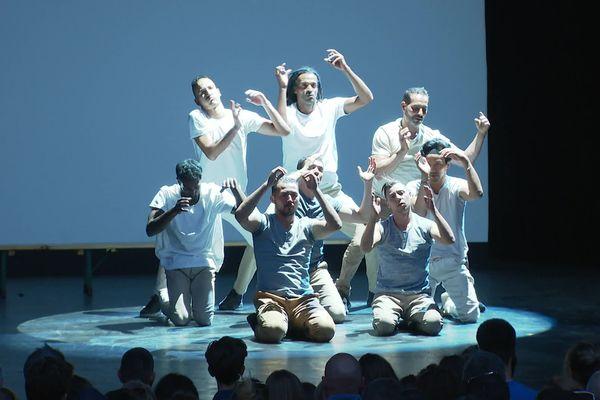 Les Pockemon Crew fêtent leurs 20 ans aux Nuits de Fourvière à Lyon. La troupe, originaire de la ville, est aujourd'hui l'une des plus belles références mondiales de hip-hop.