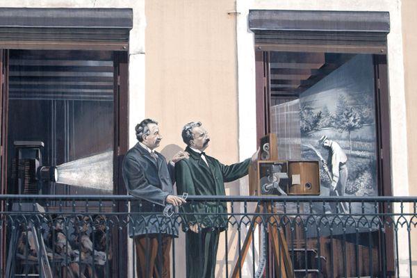 Les frères Lumière sur la Fresque des Lyonnais