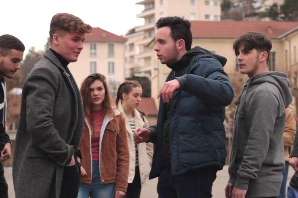 Les élèves du lycée Gapençais lors du tournage du clip contre le harcèlement scolaire.