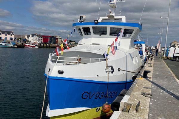 Le Blue Wave, amarré à son port d'attache du Guilvinec, dans le Finistère