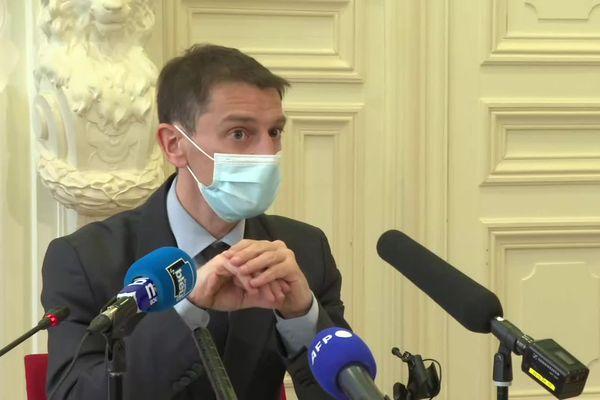Stéphane Mulliez, le directeur de l'ARS Bretagne lors d'u point presse du 26 mars 2021.