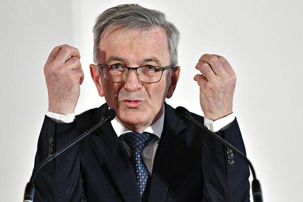 François Bonneau, président de la région Centre-Val de Loire, condamne la résolution homophobe adoptée par la région Malopolska et gèle sa coopération.