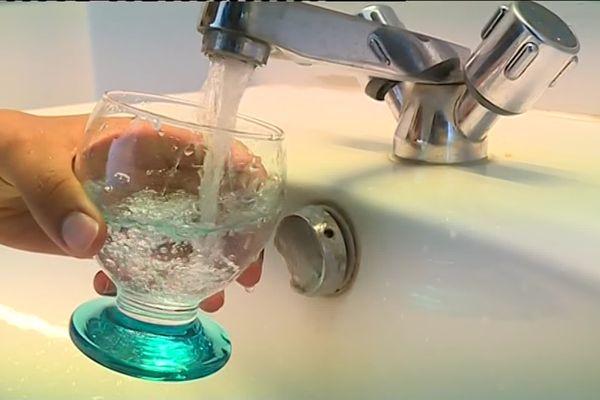 Selon l'ACRO, plus de six millions de français consomment une eau contenant du tritium.