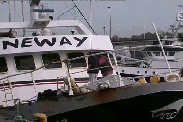 Deux marins de ce chalutier costarmoricain sont tombés à la mer samedi soir. Les recherches ont été stoppées. Le bateau est rentré au port de Roscoff
