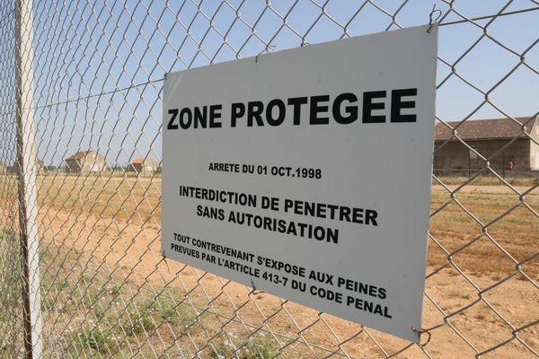 En 2015, un vol d'explosifs avait eu lieu au centre de stockage de munitions militaires de Miramas.