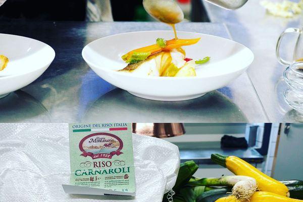 L'un des menus de la semaine à emporter signé Mathieu Aumont : Saint Pierre, bouillon d'étrilles, risotto riz Carnaroli et Parmigiano Reggiano 24 mois, asperges et courgettes