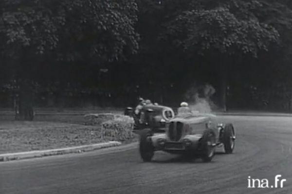 Une course de vitesse sur le circuit du bois de Boulogne.