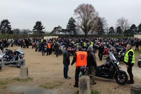 Les manifestants se sont rassemblés près du parc expo de Tours, direction l'autoroute A10