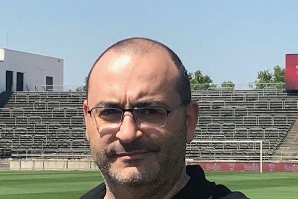 Avec un budget serré, le président du Nîmes Olympique a tout de même des ambitions pour le club.