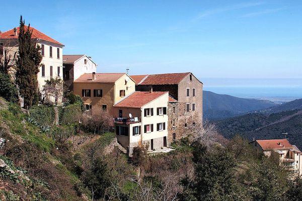 Campile, Castagniccia (Corse) - Hameau de Vergagliese