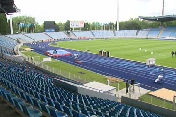 La piste d'athlétisme du Stadium de Villeneuve-d'Ascq restera vide en 2013.