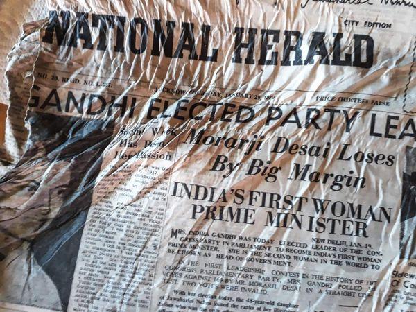 Le journal indien The Herald, daté de 1966, annonçant l'élection d'Indira Gandhi.