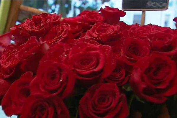 Des roses rouges par centaines chez une fleuriste de Nevers