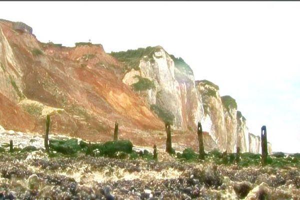L'éboulement de falaise en 2012 à Pourville-sur-Mer