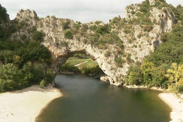 Le Pont d'Arc dans les Gorges de l'Ardèche