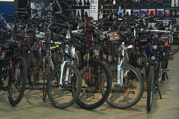 Dans ce magasin de vélos de Niort, l'activité de vente et réparation est en hausse de 80% par rapport au mois d'août 2019.