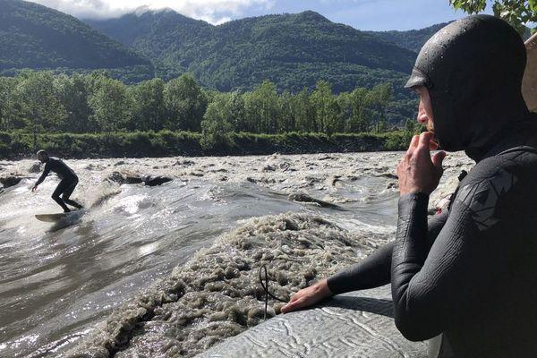 Surfer sur l'Isère, c'est possible et même très tendance