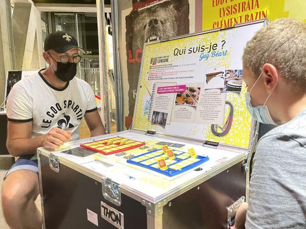 L'exposition ElectroSound décortique le son. Ici, un atelier pour faire deviner des instruments de musique.