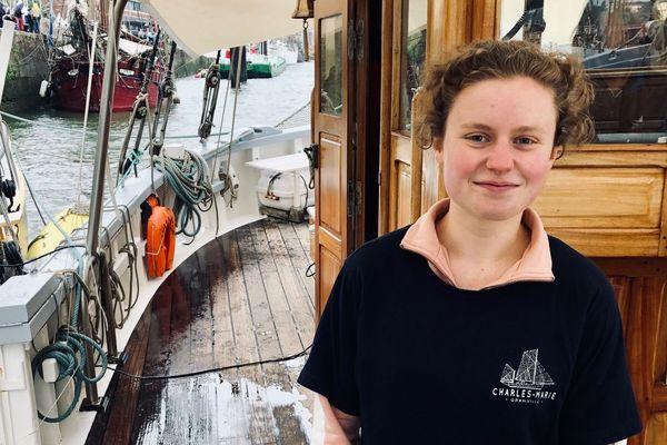 Mathilde Delaporte, 17 ans, a découvert les bateaux à l'armada 2008. Depuis octobre, elle vient en colo sur le Charles Marie.