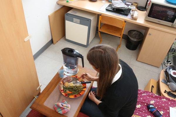 Un tout petit espace de vie et plus les moyens d'en payer la location, la crise met certains étudiants dans une situation de détresse