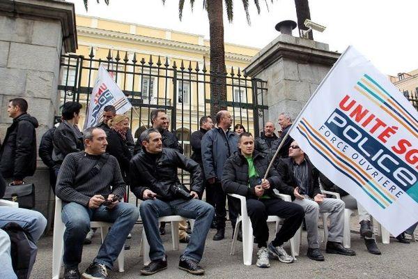 Des policiers en colère, Ajaccio, le 18 février 2014