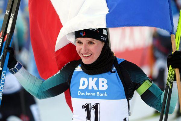 La biathlète Julia Simon a remporté, ce samedi 14 mars à Kontiolahti (Finlande), la première victoire de sa carrière.