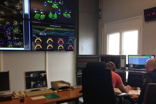 Au poste de pilotage du réseau bas-rhinois, le bureau central de conduite d'Electricité de Strasbourg Réseaux, la consommation électrique est sous surveillance, mais n'inspire pas d'inquiétude pour le moment.