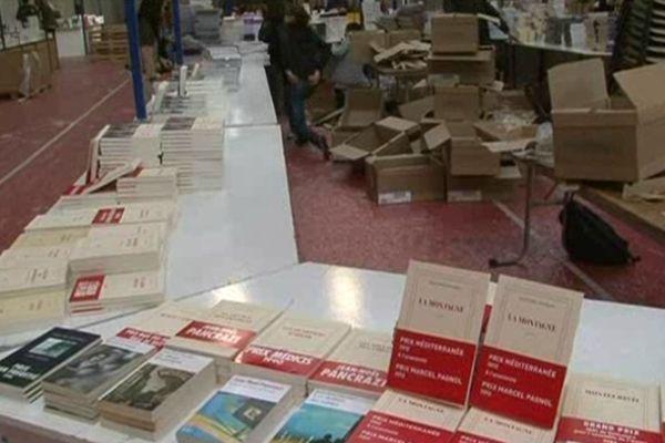 Pour faire de ce rendez-vous un succès, les libraires étaient mobilisés tôt jeudi matin pour tout installer