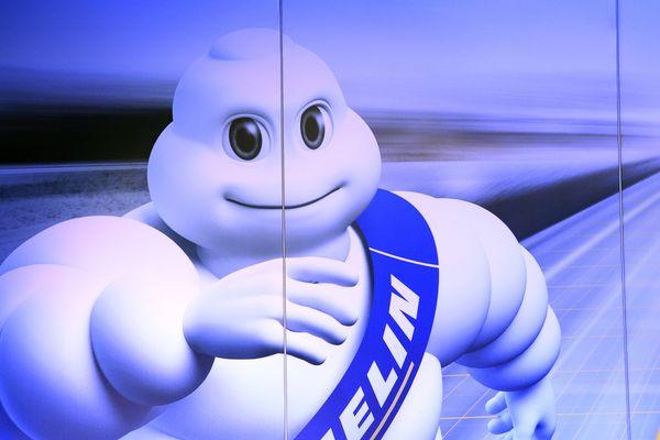Michelin a publié, jeudi 19 octobre, son bilan des ventes nettes (+3%) pour le troisième trimestre 2017. Avec 5,33 milliards d'euros, l'entreprise dont le siège est à Clermont-Ferrand, enregistre un ralentissement du rythme des ventes par rapport au premier semestre.