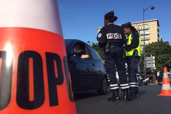 Un contrôle routier à la Porte de Vincennes, à Paris