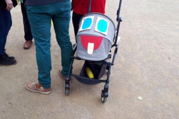 Au carnaval du Parc Michelet, même les poussettes étaient masquées