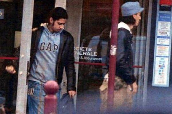 Mehdi et mohamed Belhoucine, recherchés pour complicités d'attentat, ont travaillé comme anipmateurs sociaux à Aulnay-sous-Bois