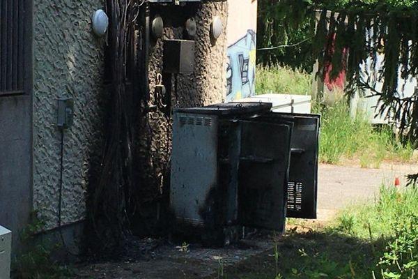 L'émetteur de Haute-Jarrie incendié en Isère.